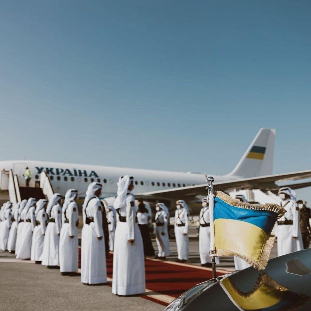 Олена Зеленська прилетіла з чоловіком в Катар.