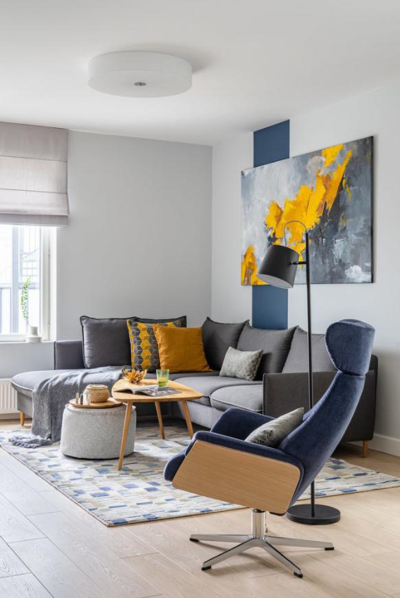 Дизайнер назвала неоновую подсветку антитрендом в интерьере квартиры