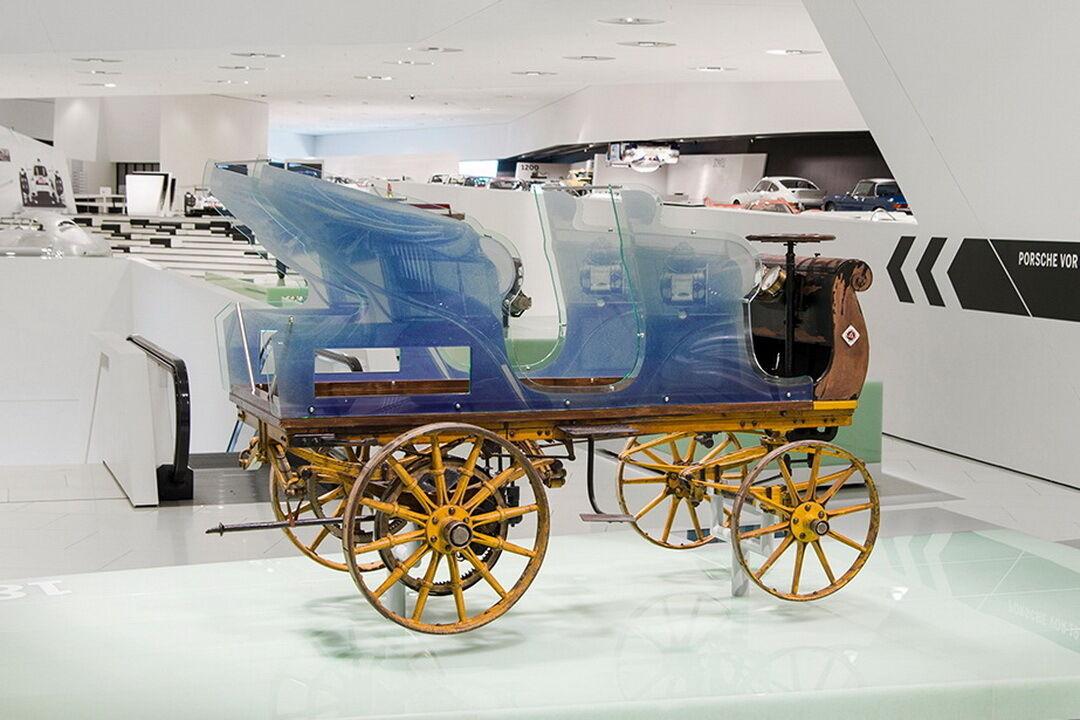 Еще в далеком 1898 году 23-летний Фердинанд Порше создал свой первый электромобиль – Egger-Lohner С.2 Phaeton