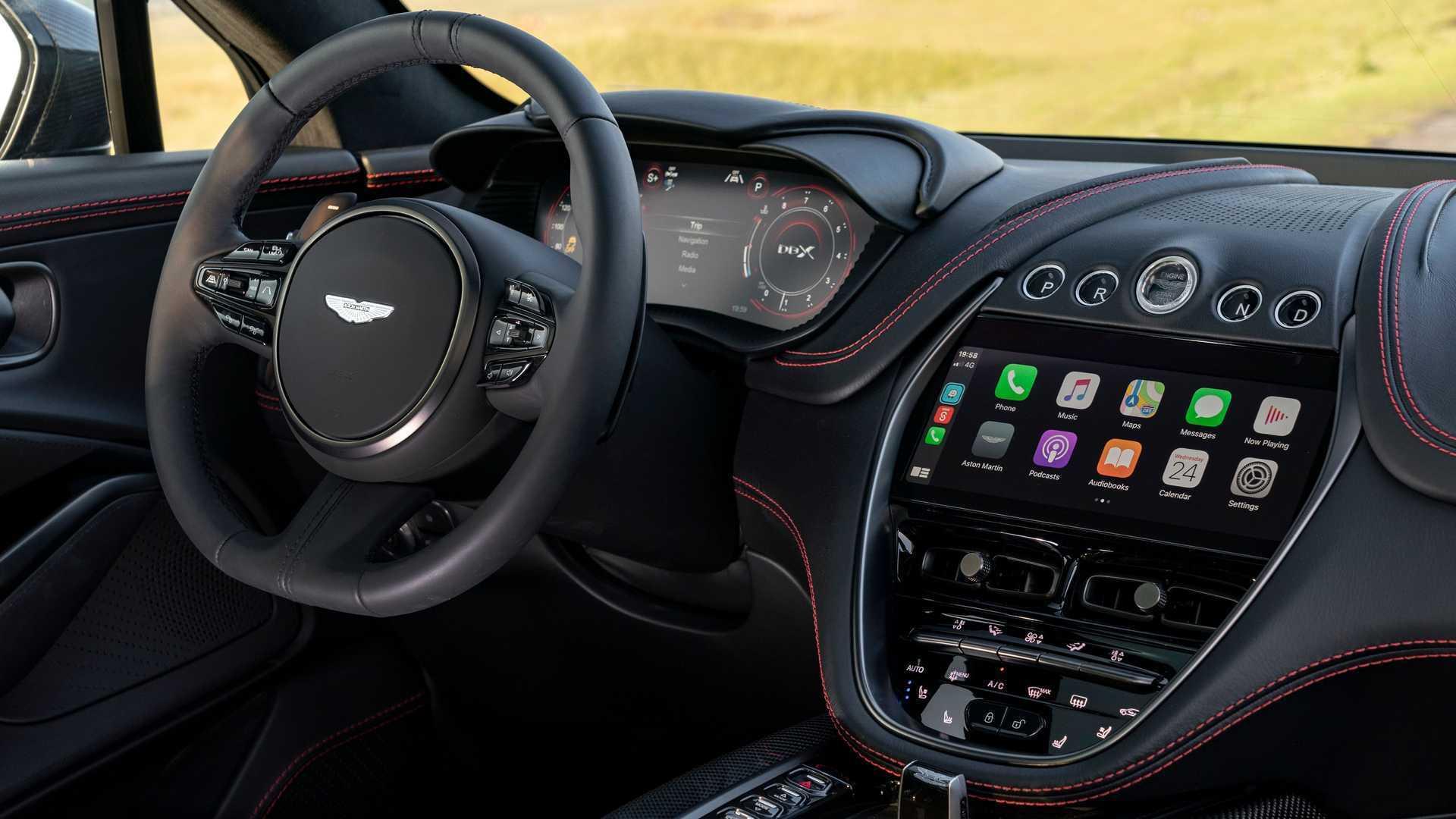 Салон эксклюзивного Aston Martin DBX