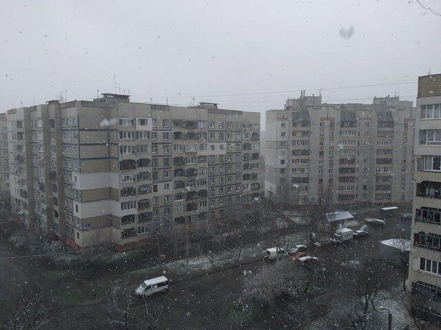 Во Львове выпал снег.