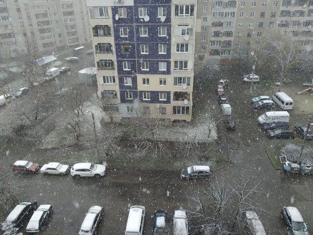 Сніг на західній Україні.