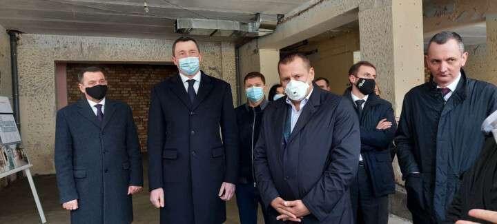 Чернышов во время визита в Днепр