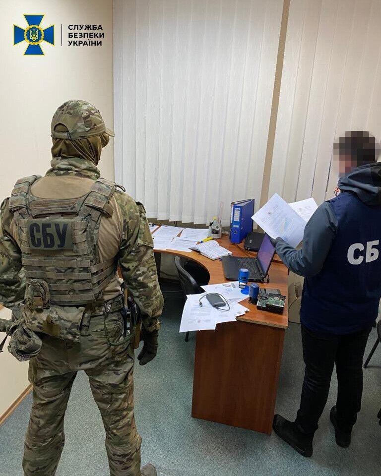СБУ провела обшуки в Хмельницькому