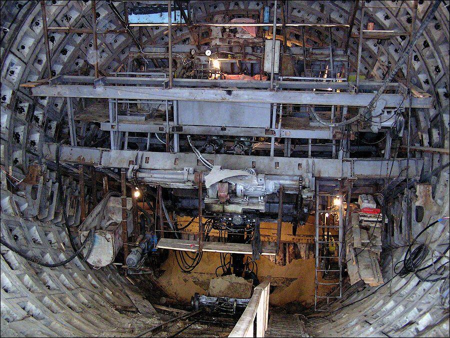 Будівництво похилого ходу до станції.