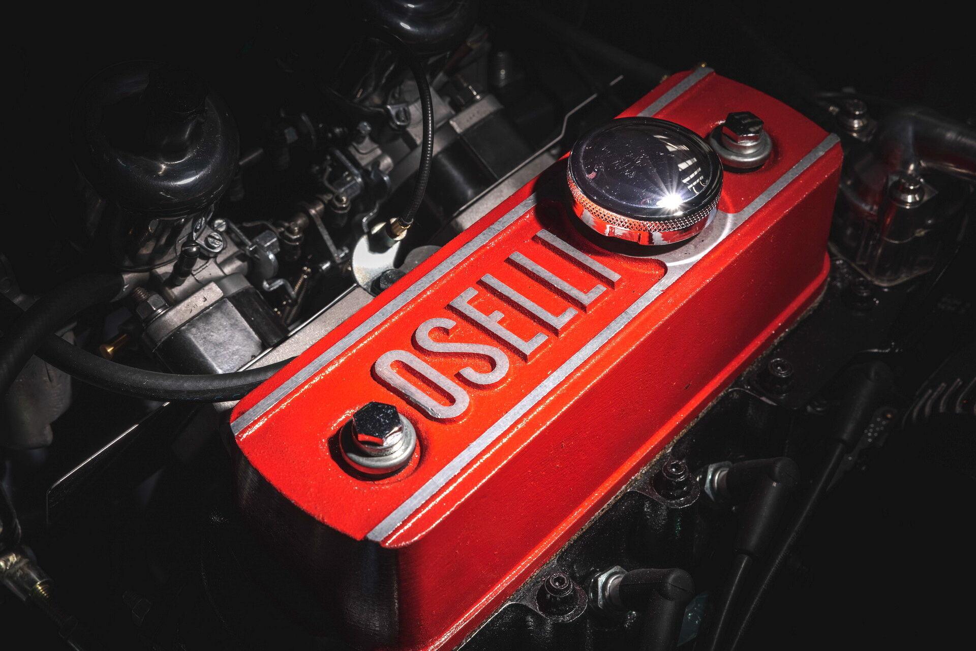 Под капотом Mini Remastered Oselli Edition располагается мотор Mini, объем которого увеличили с 1,3 до 1,45 л