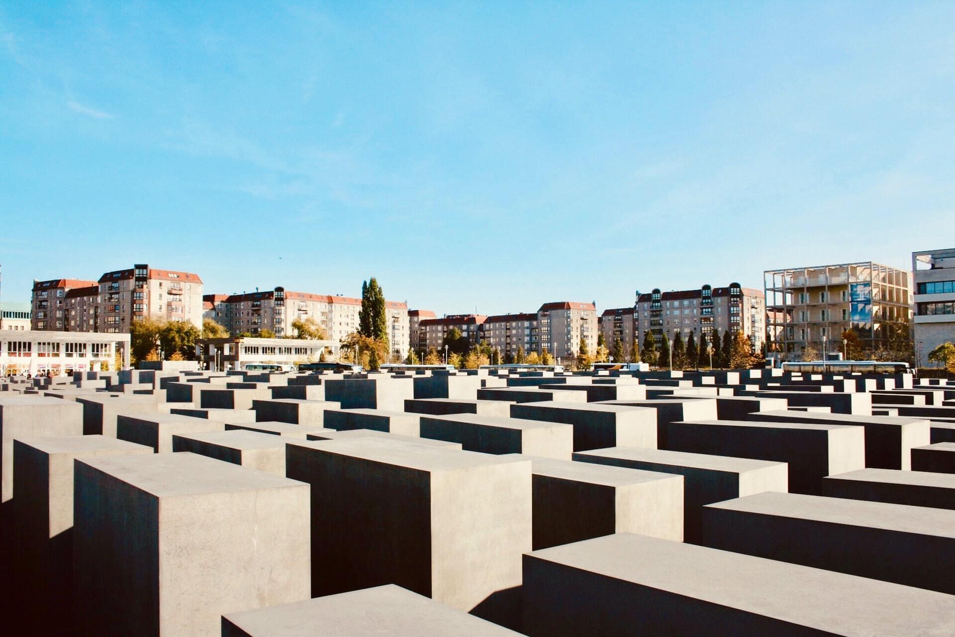 Мемориал убитым евреям Европы в Берлине