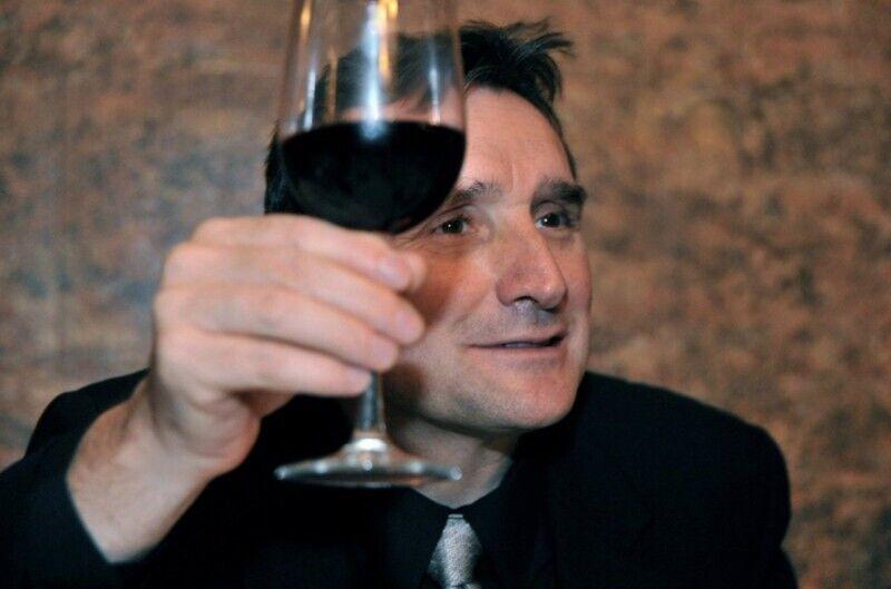 В Грузии всегда допивают вино до дна.