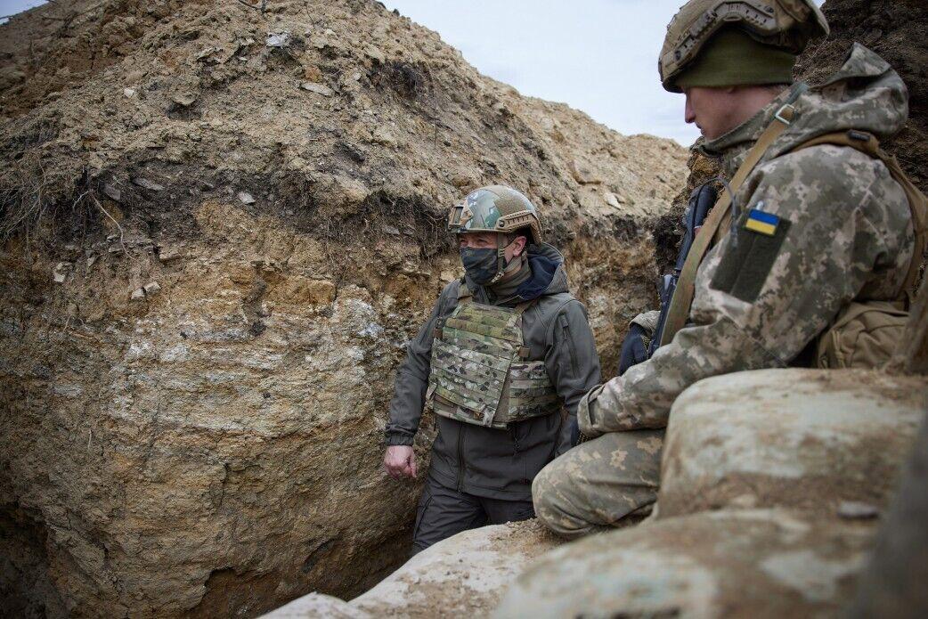 Зеленський відвідав позиції українських військ на передовій