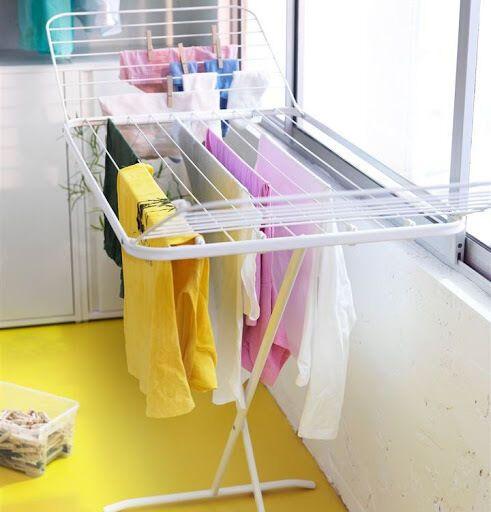 Нужно сразу раскладывать вещи из сушки для одежды.