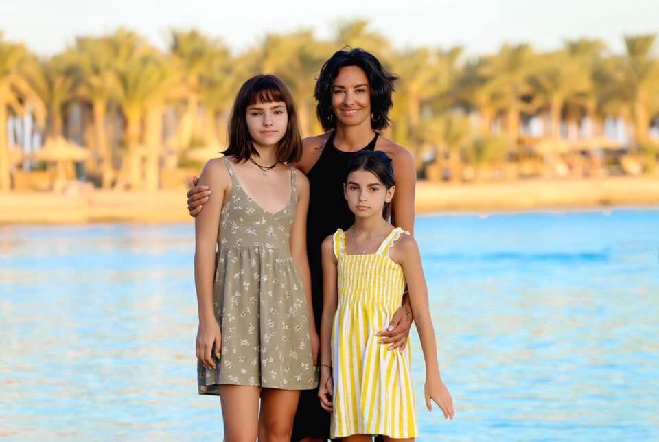Наталя з дочками Маєю і Юлією