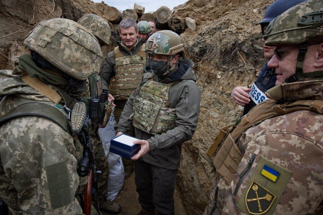 Військові розповіли президенту про ситуацію на фронті