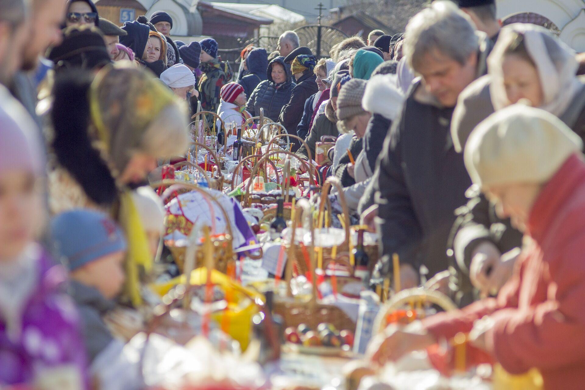 Накануне Пасхи верующие отправятся в храмы, чтобы посетить богослужения и освятить пасхальные корзины