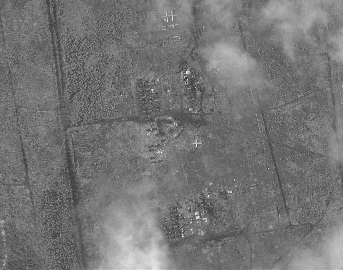 Лагерь войск РФ у границы с Украиной на спутниковом снимке