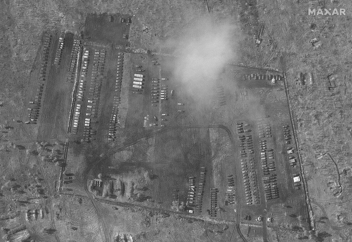 Полевой лагерь российских войск у границы с Украиной со спутника