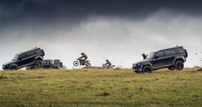 """Land Rover Defender на зйомках фільму """"007: Не час помирати"""""""