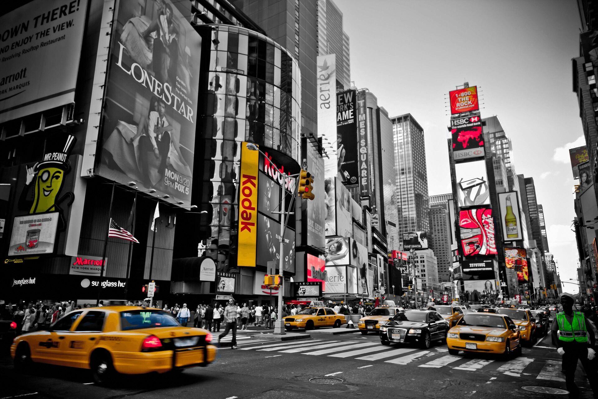 В Нью-Йорке официально разрешили женщинам ходить по улице с голой грудью