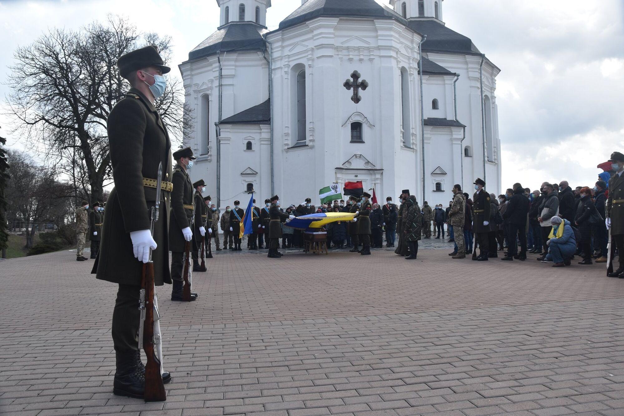 Прощання зі Шпаком відбулося біля кафедрального собору Святої Великомуцениці Катерини
