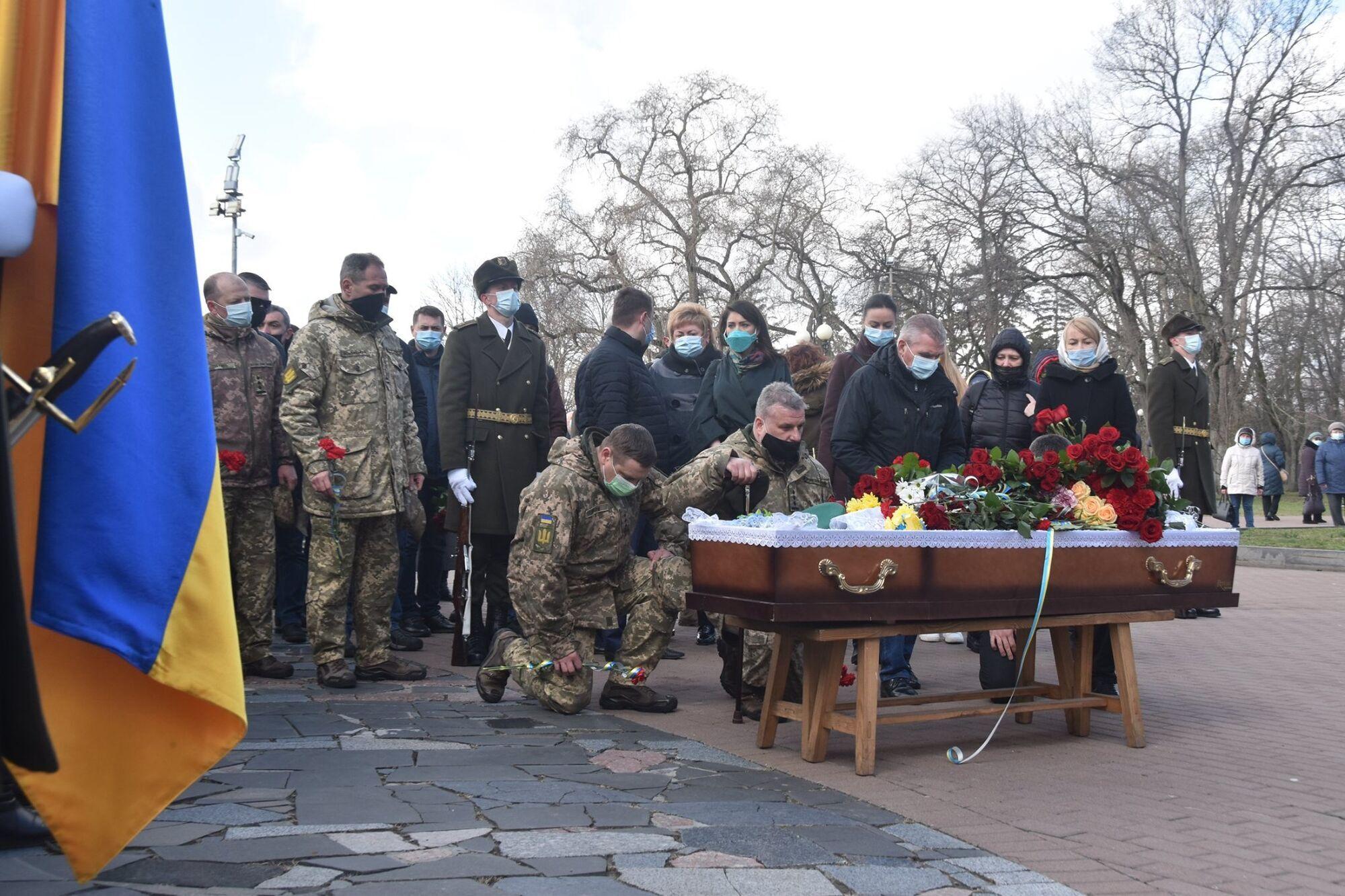 Побратими віддали останню шану старшому лейтенанту Володимиру Шпаку