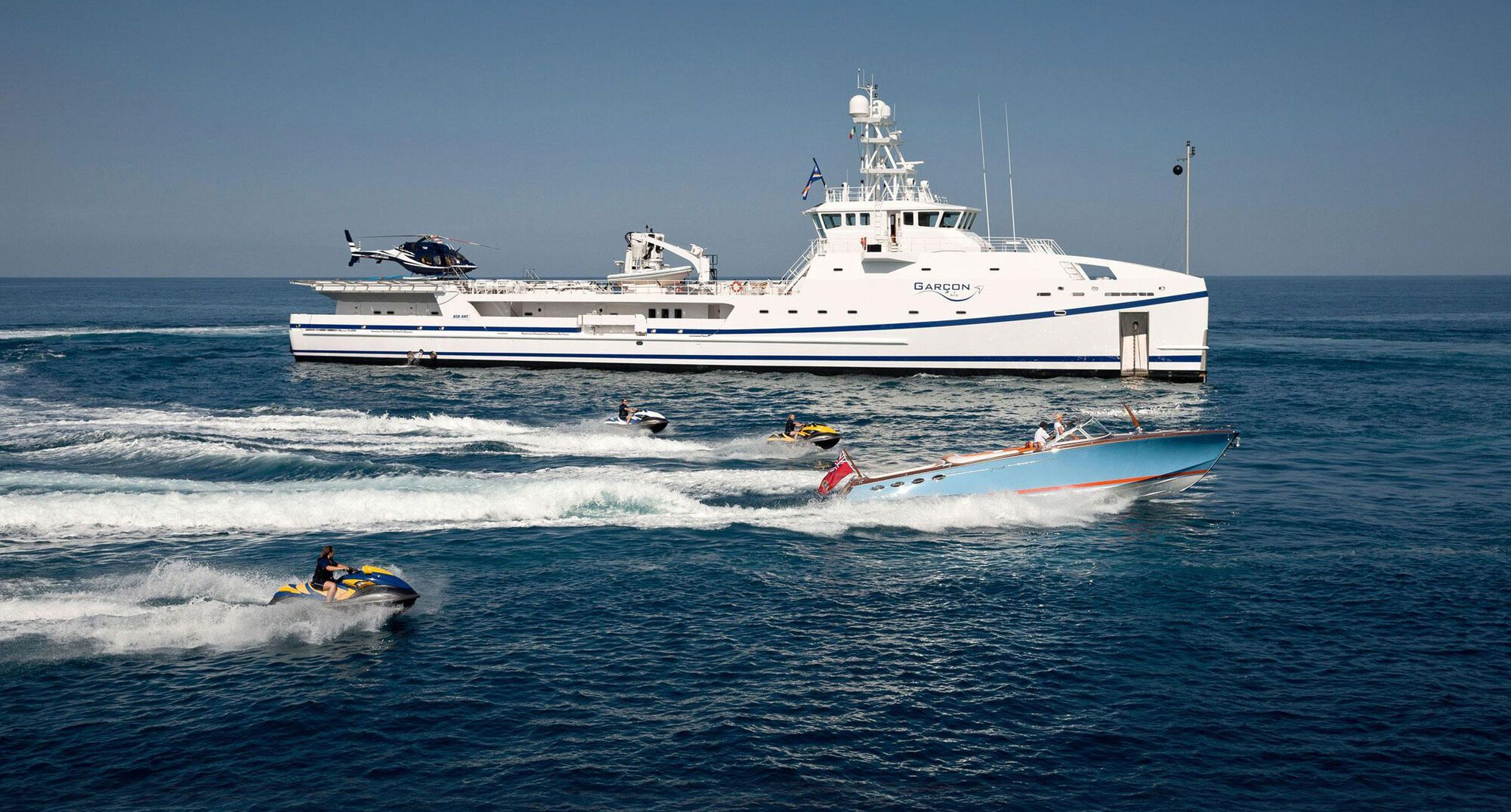Яхта Garcon