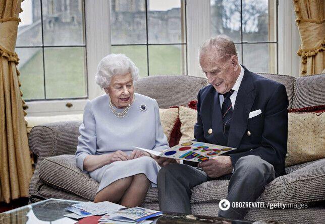 Последнее фото принца Филиппа и королевы Елизаветы ll .