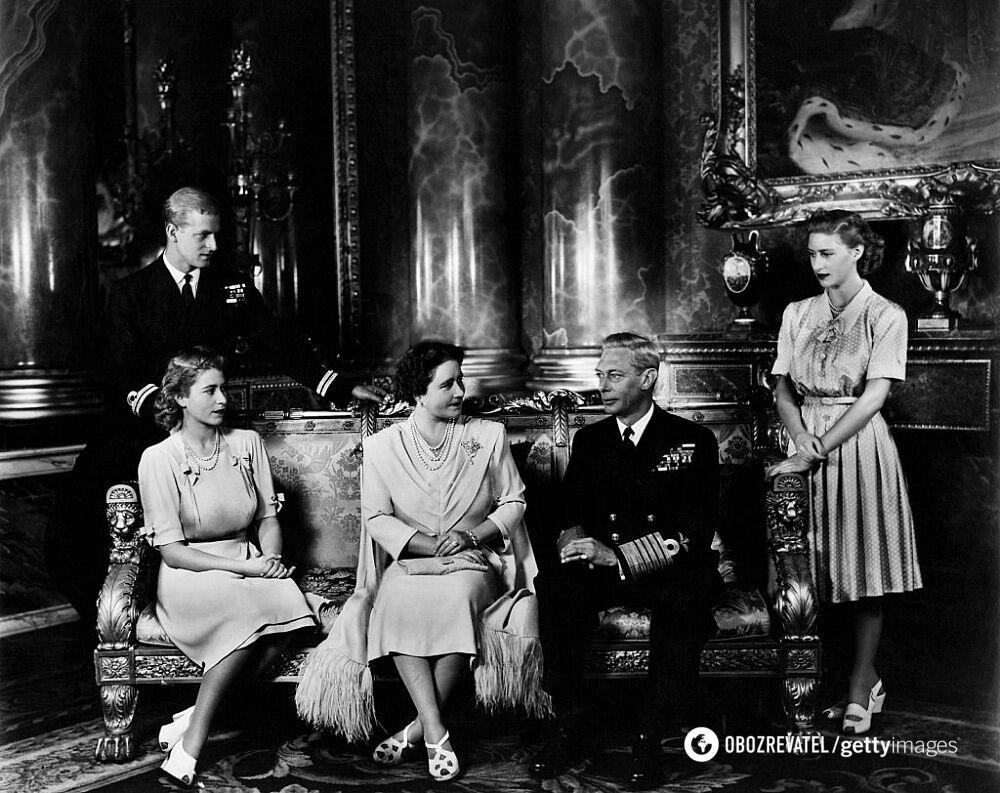 Принцесса Елизавета и Филипп (слева), ее сестра и родители