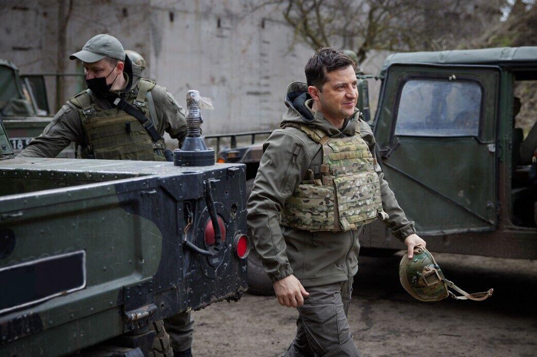 Глава держави провів ніч у місцях дислокації українських захисників