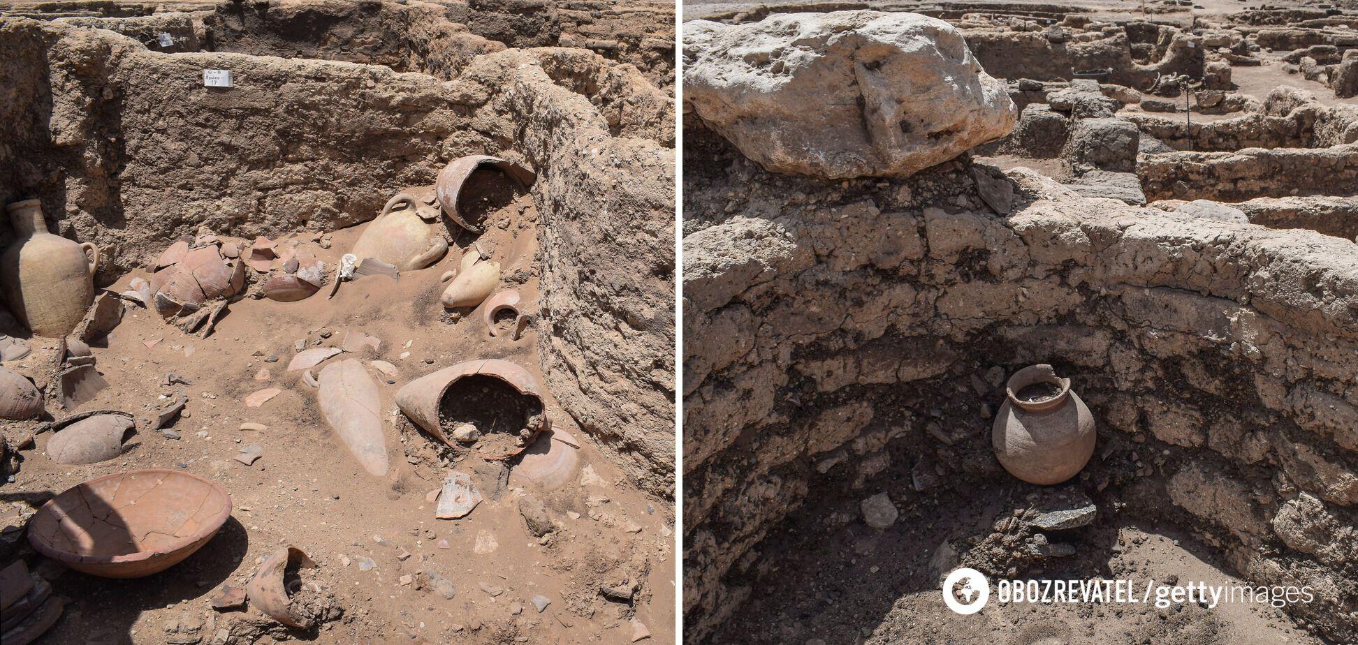 """В """"золотом городе"""" были обнаружены цветные керамические сосуды, амулеты из жуков-скарабеев и глиняные кирпичи с печатью Аменхотепа III"""