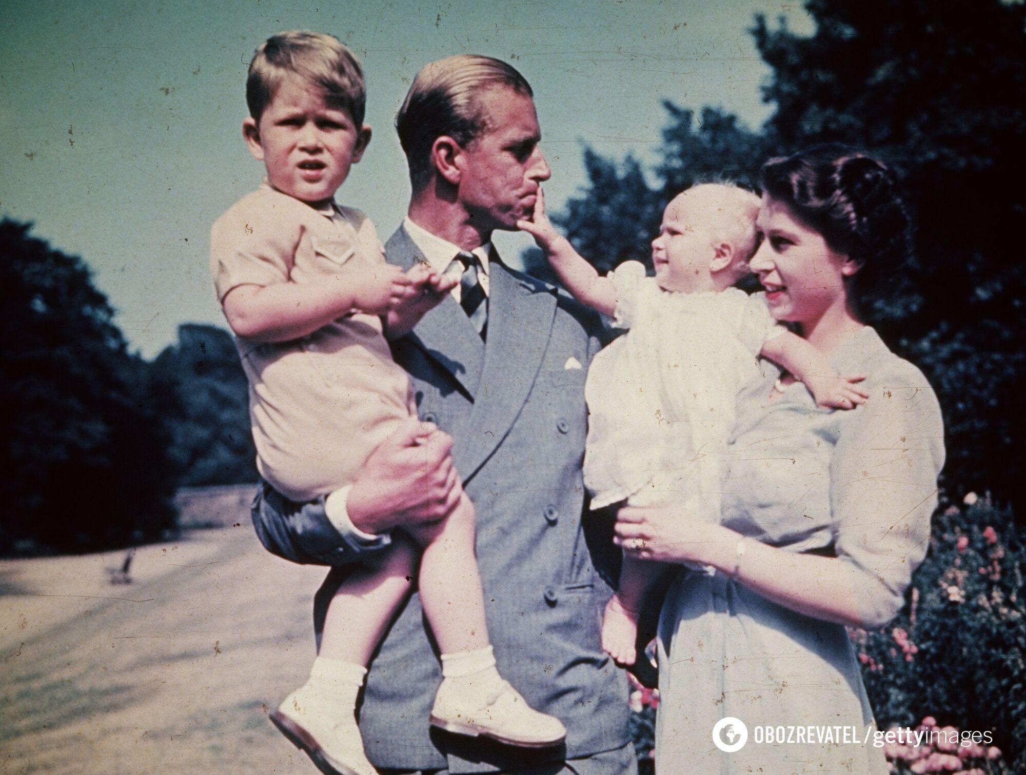 У Елизаветы II и принца Филиппа родилось четверо детей