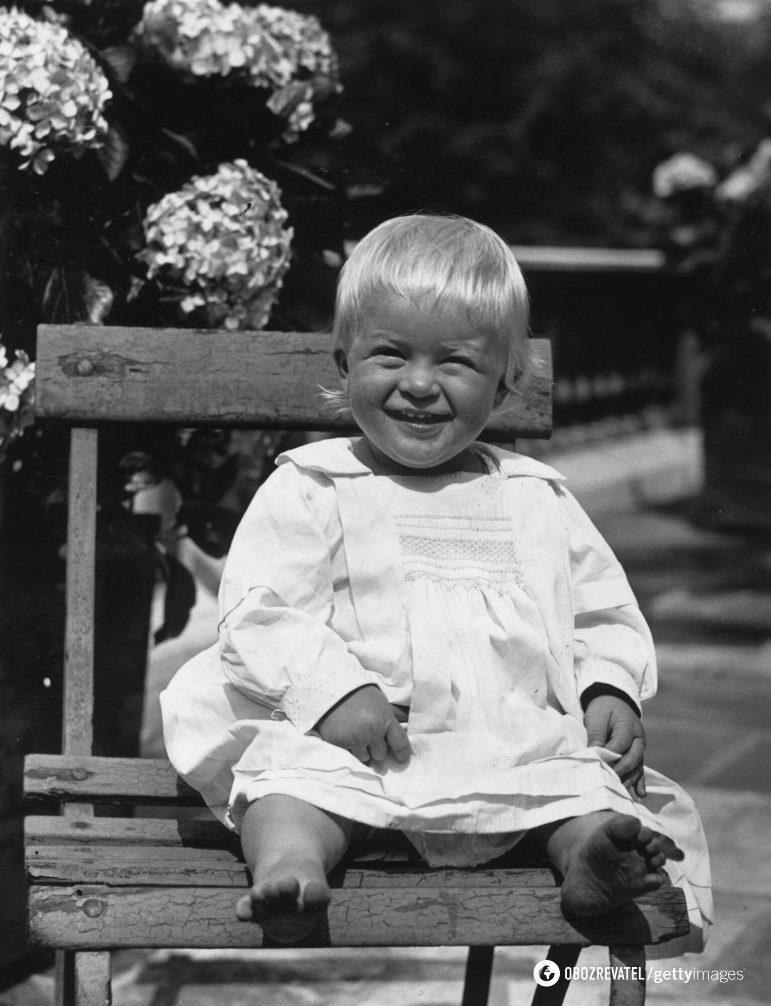 Принц Филипп родился в 1921 году в Греции.