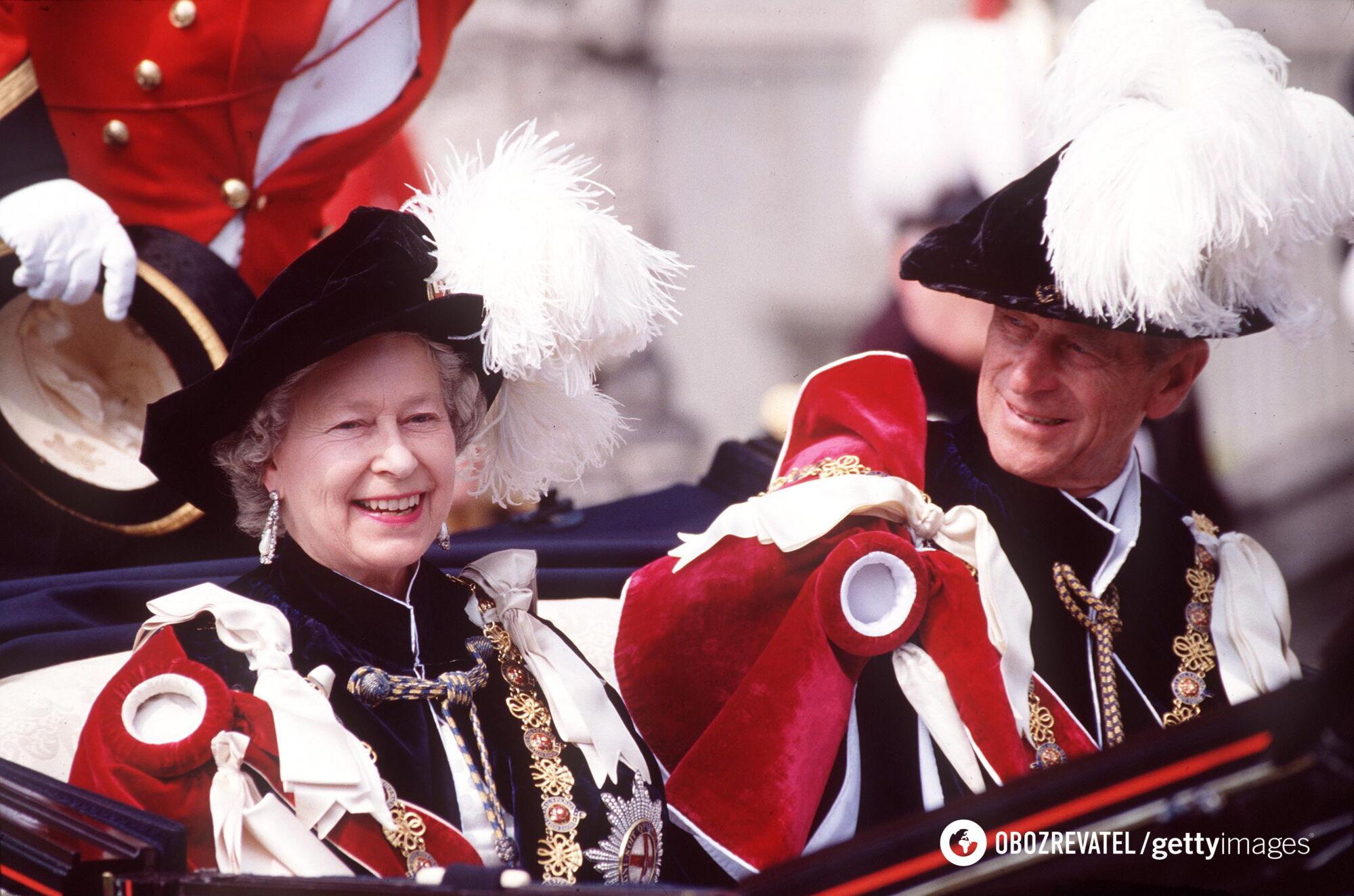 Филипп познакомился с королевой Елизаветой, когда девушке было 13 лет.