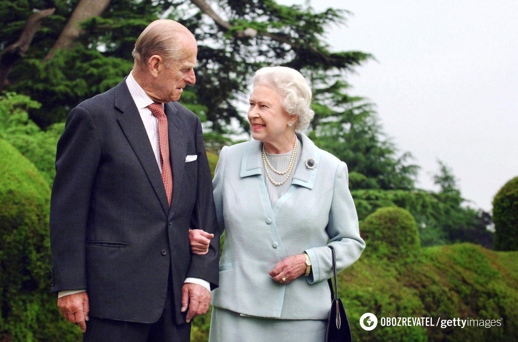 Принц Филипп с Елизаветой II.