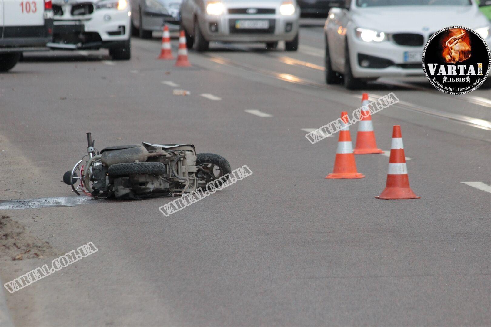 Во Львове BMW насмерть сбил 58-летнюю женщину-курьера Glovo. Видео