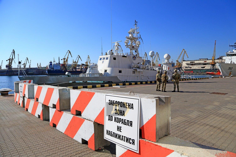 Корабель НАТО зайшов у порт Одеси. Фото та відео