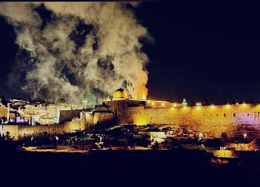 Пожар произошел на Храмовой горе.