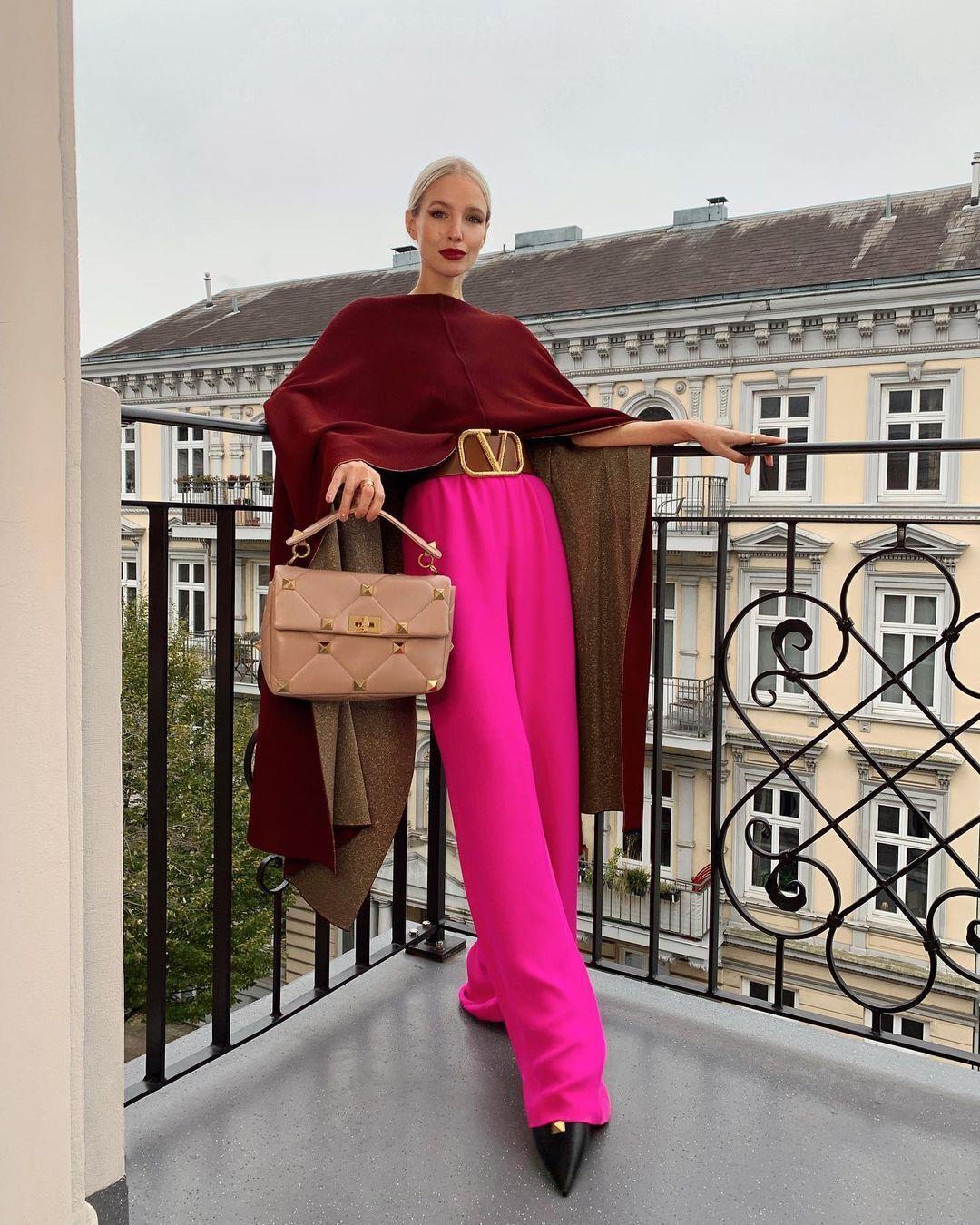 У дизайнерських колекціях є і моделі для ділового гардероба, і повсякденні варіанти в стилі casual.