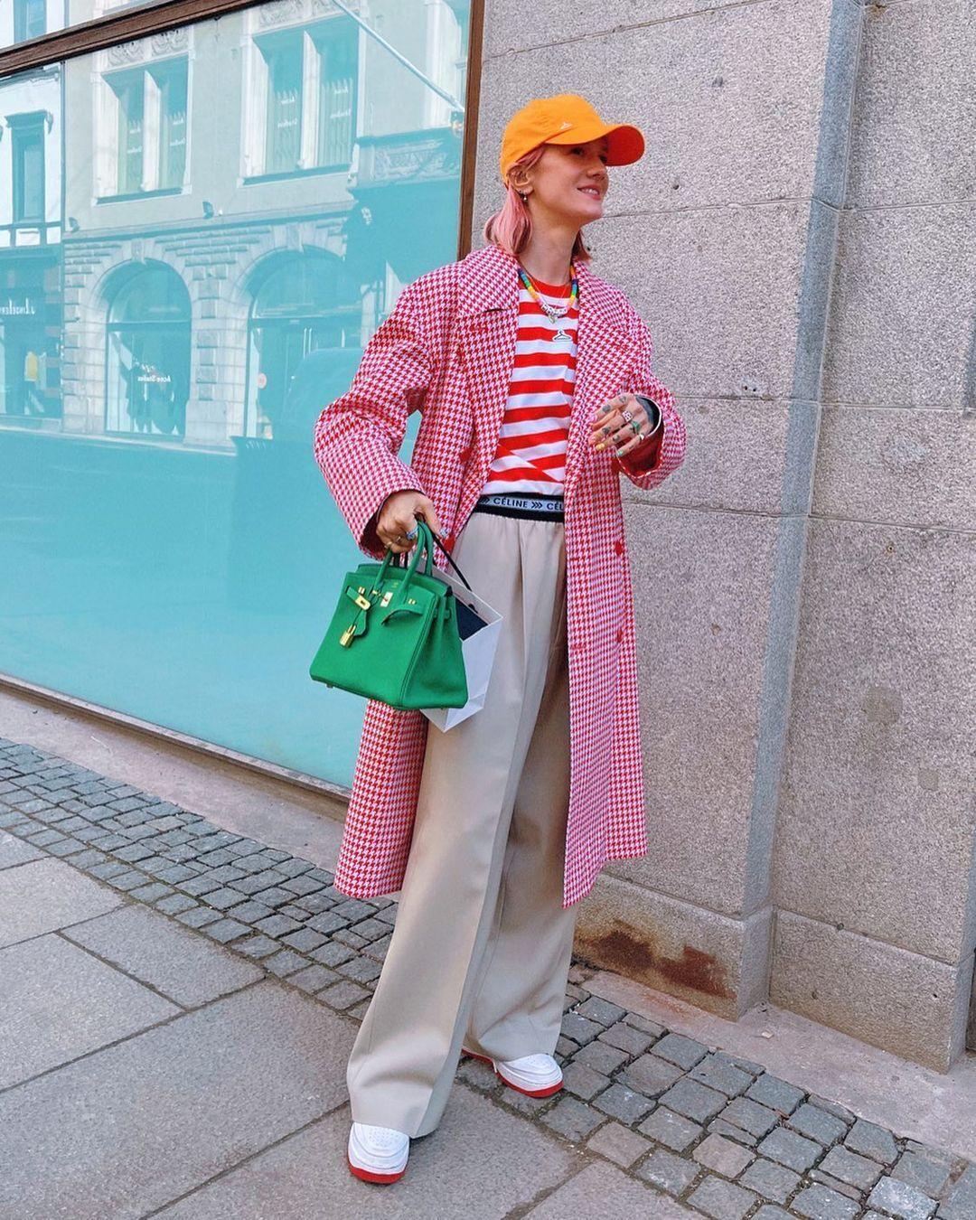 Широкі штани, вони ж палаццо в стилі Марлен Дітріх, – наймодніші брюки прийдешнього літа.