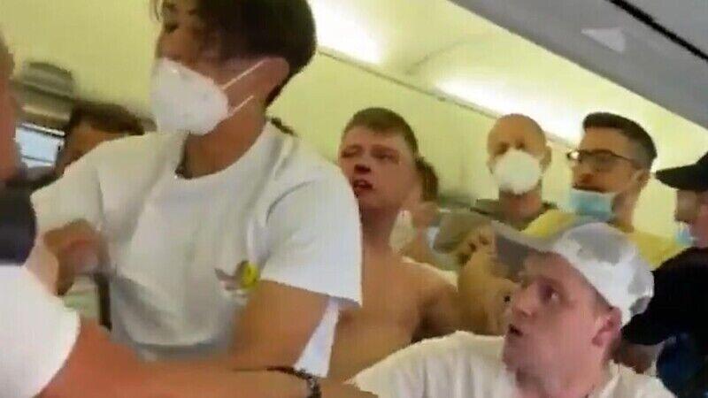 Приводом стало те, що п'яний британець не хотів одягати маску