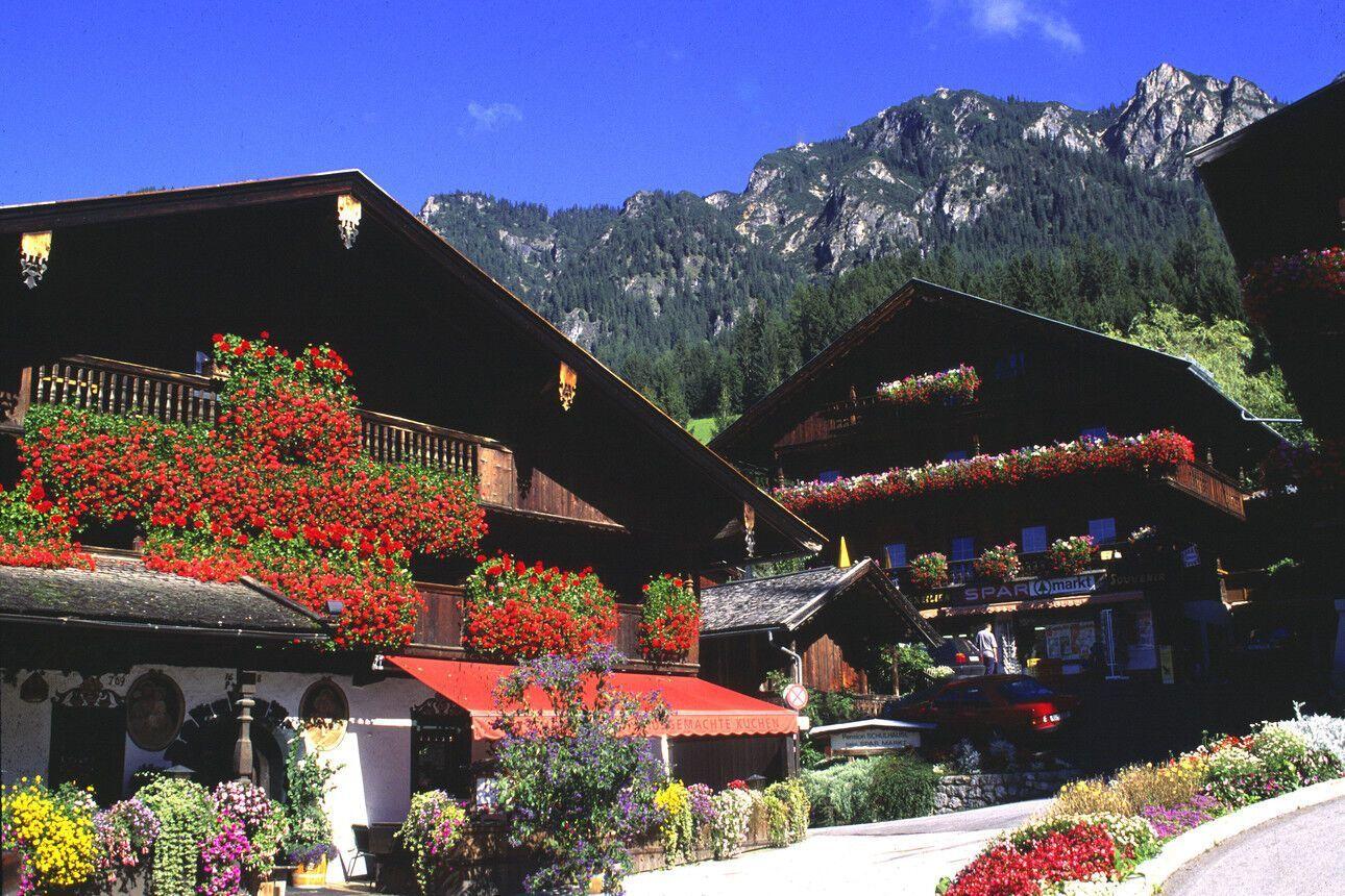 Альпбах прославилася як найгарніше село Австрії.