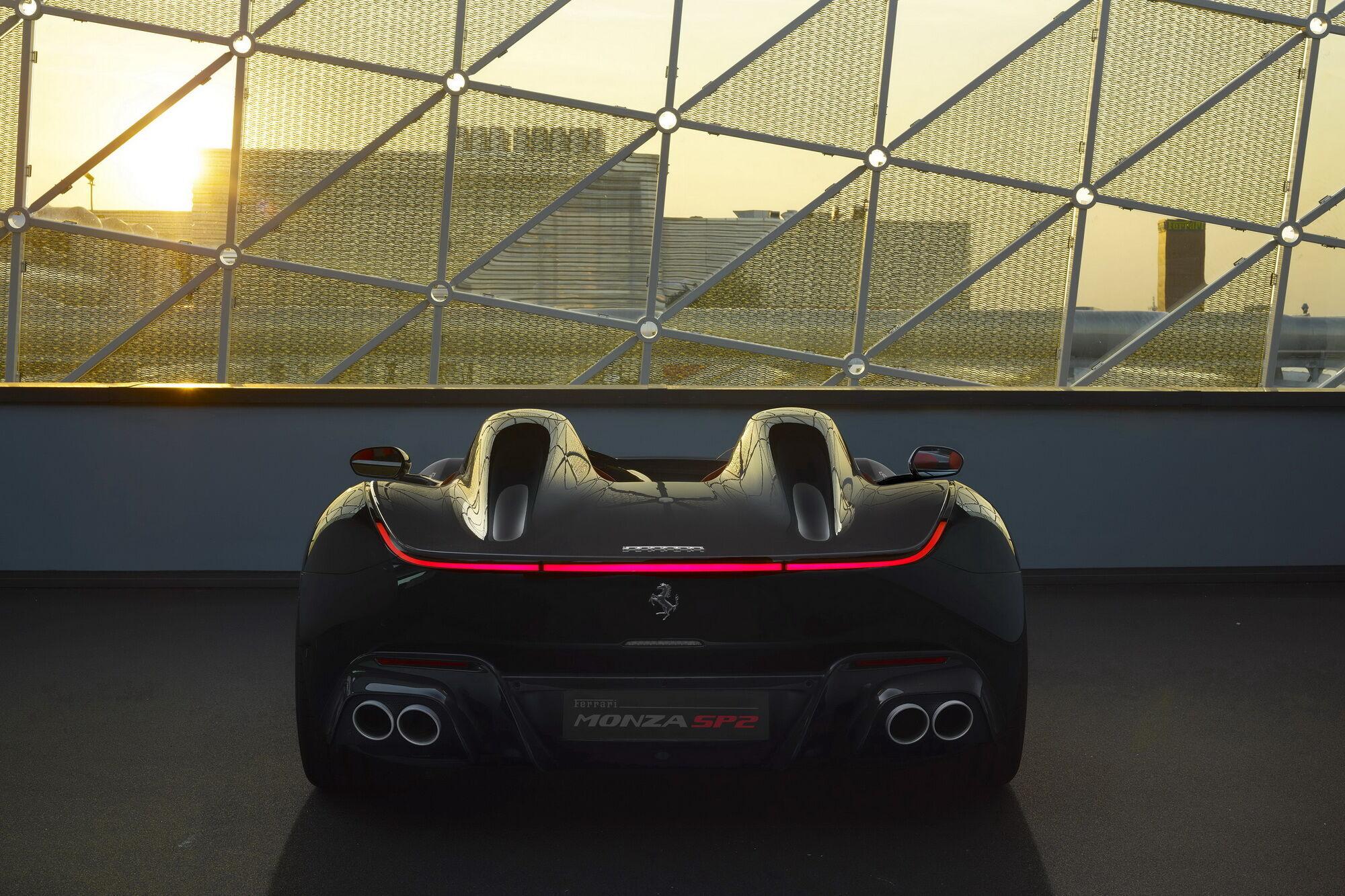 Автомобіль випущений тиражем усього 100 примірників, а вартість стартує з позначки 1,6 млн євро