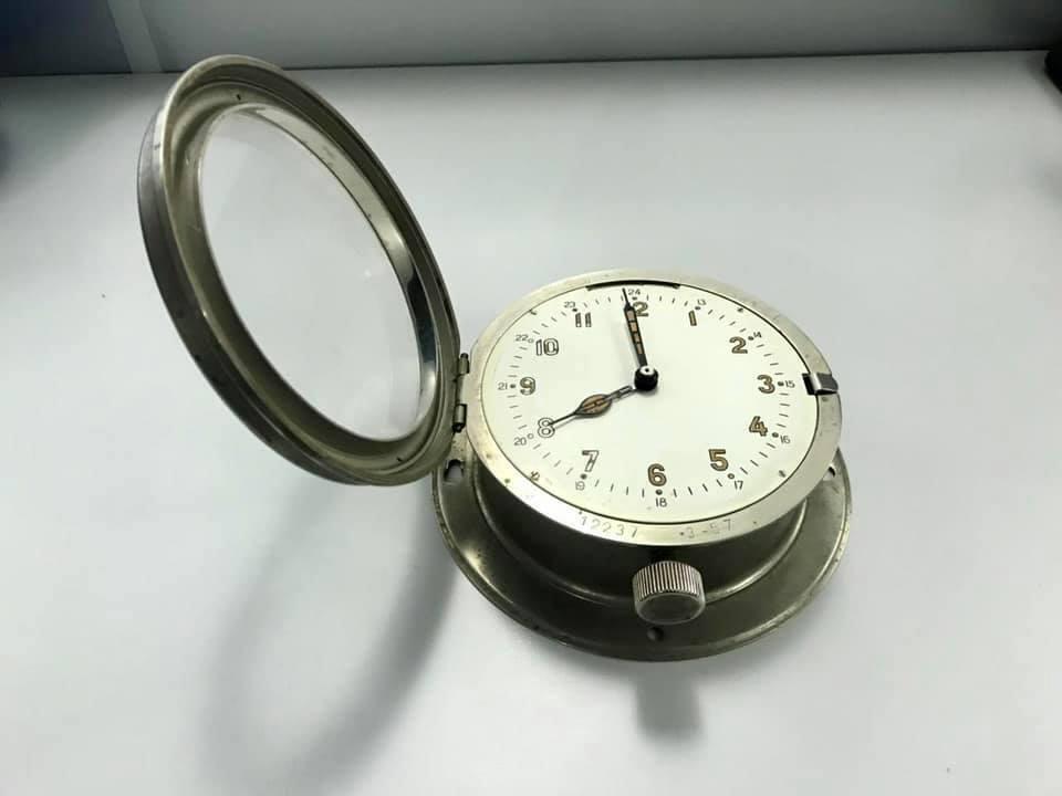 В іноземця вилучили радіоактивні годинники.