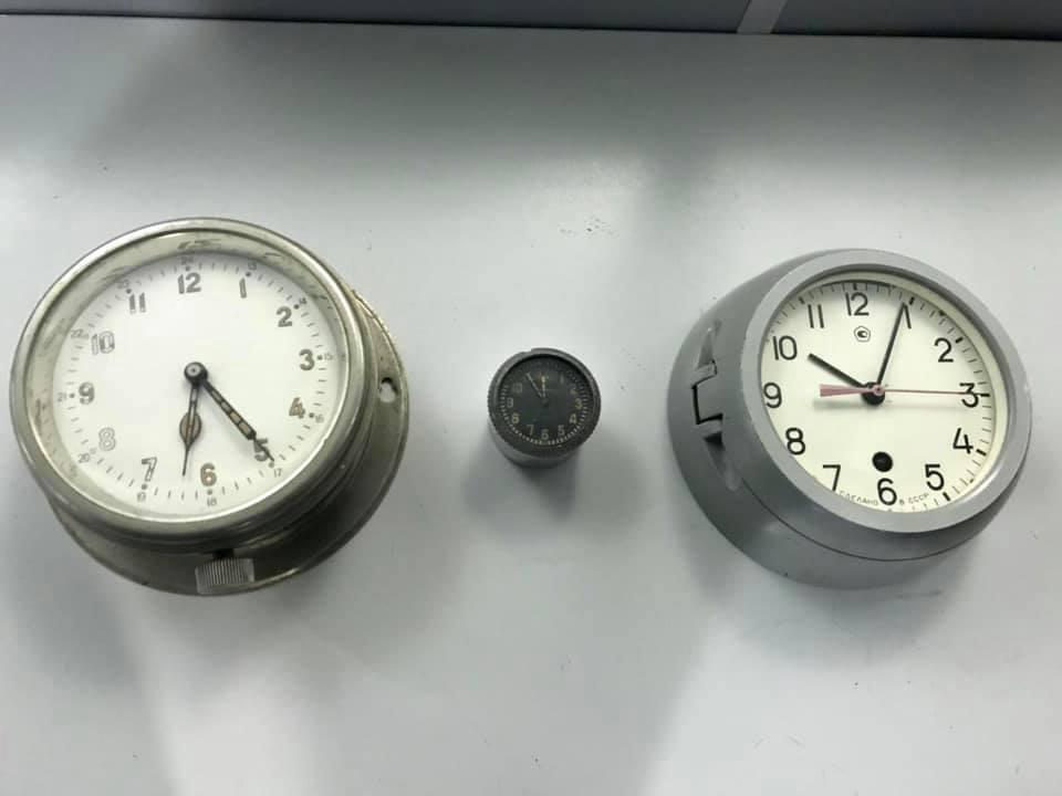 У годинників виявили радіоактивний фон.