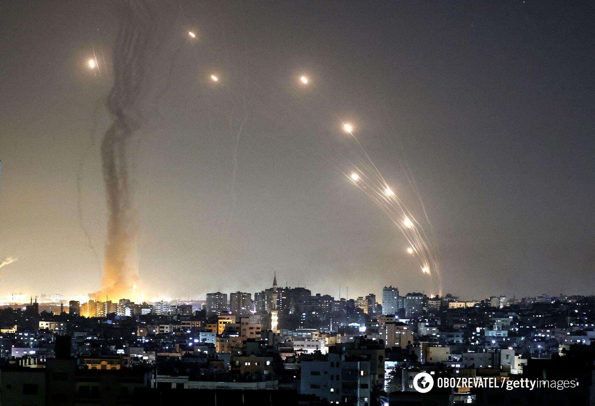 Израиль обстреливают из сектора Газа.