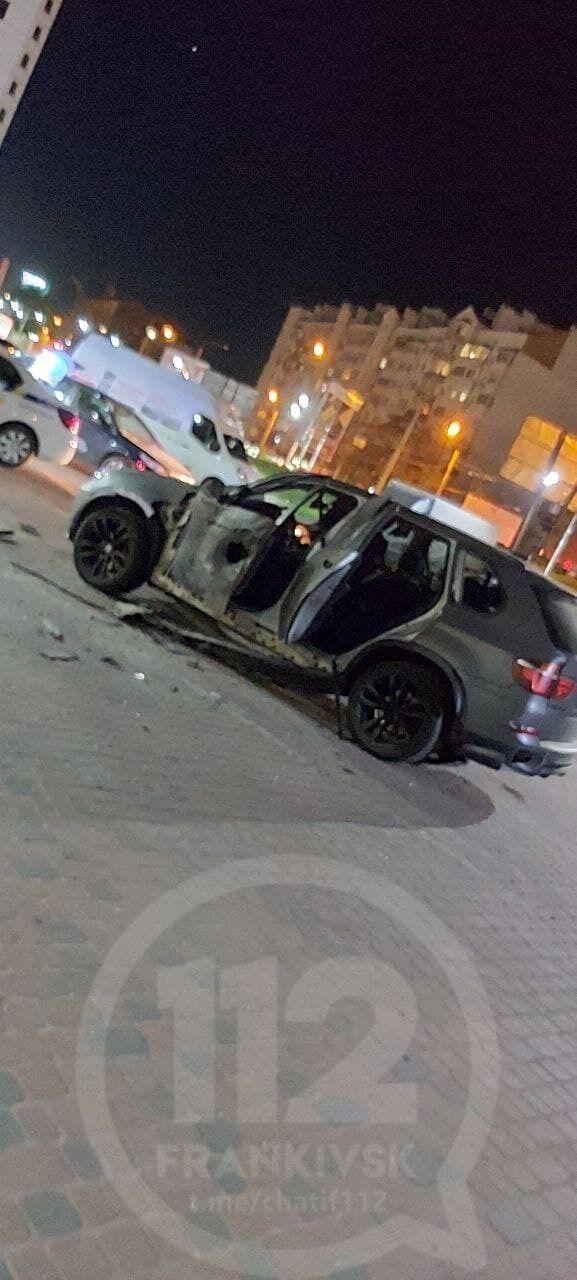 BMW X5 сильно пострадал.