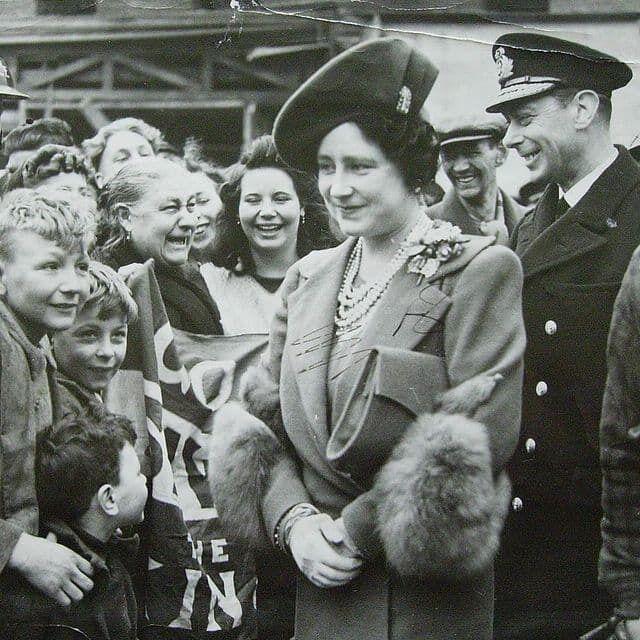 Король Георг VI и его супруга Елизавета