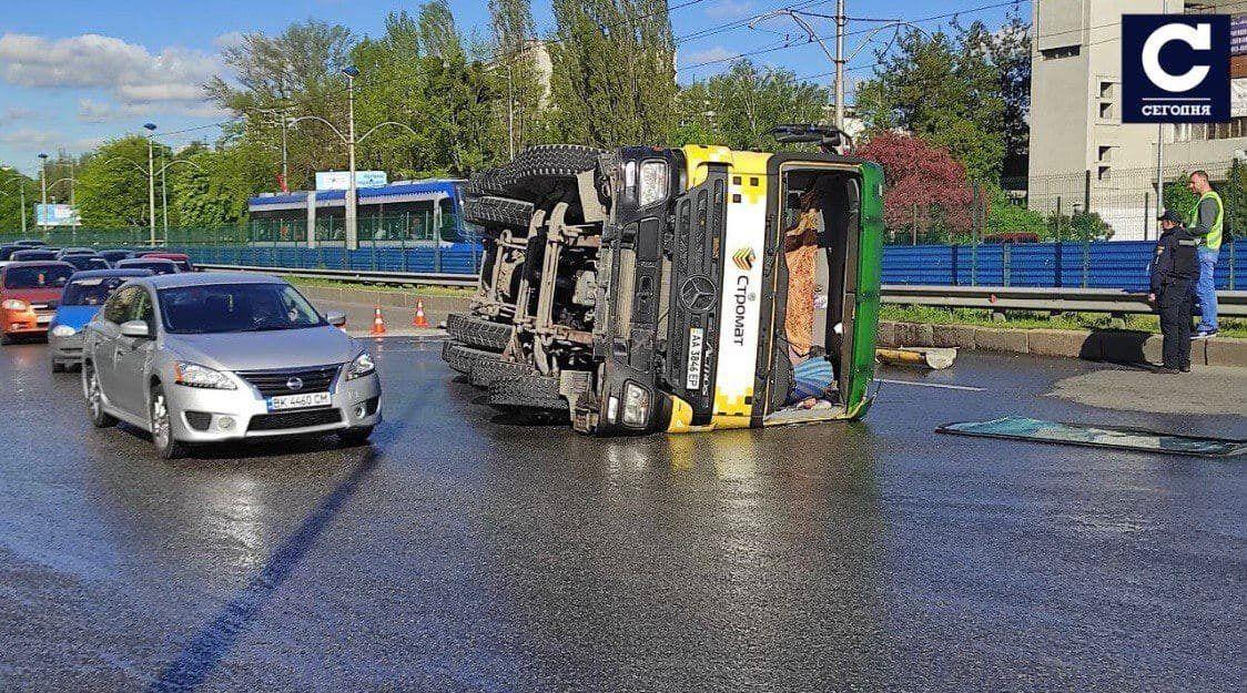 Водитель не справился с управлением машины.