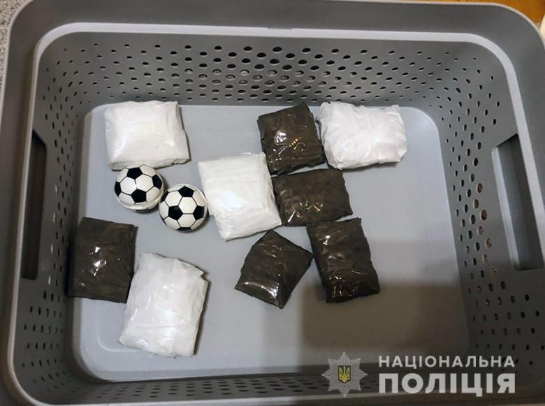 У жительницы Киева изъяли наркотиков на 3 млн грн.