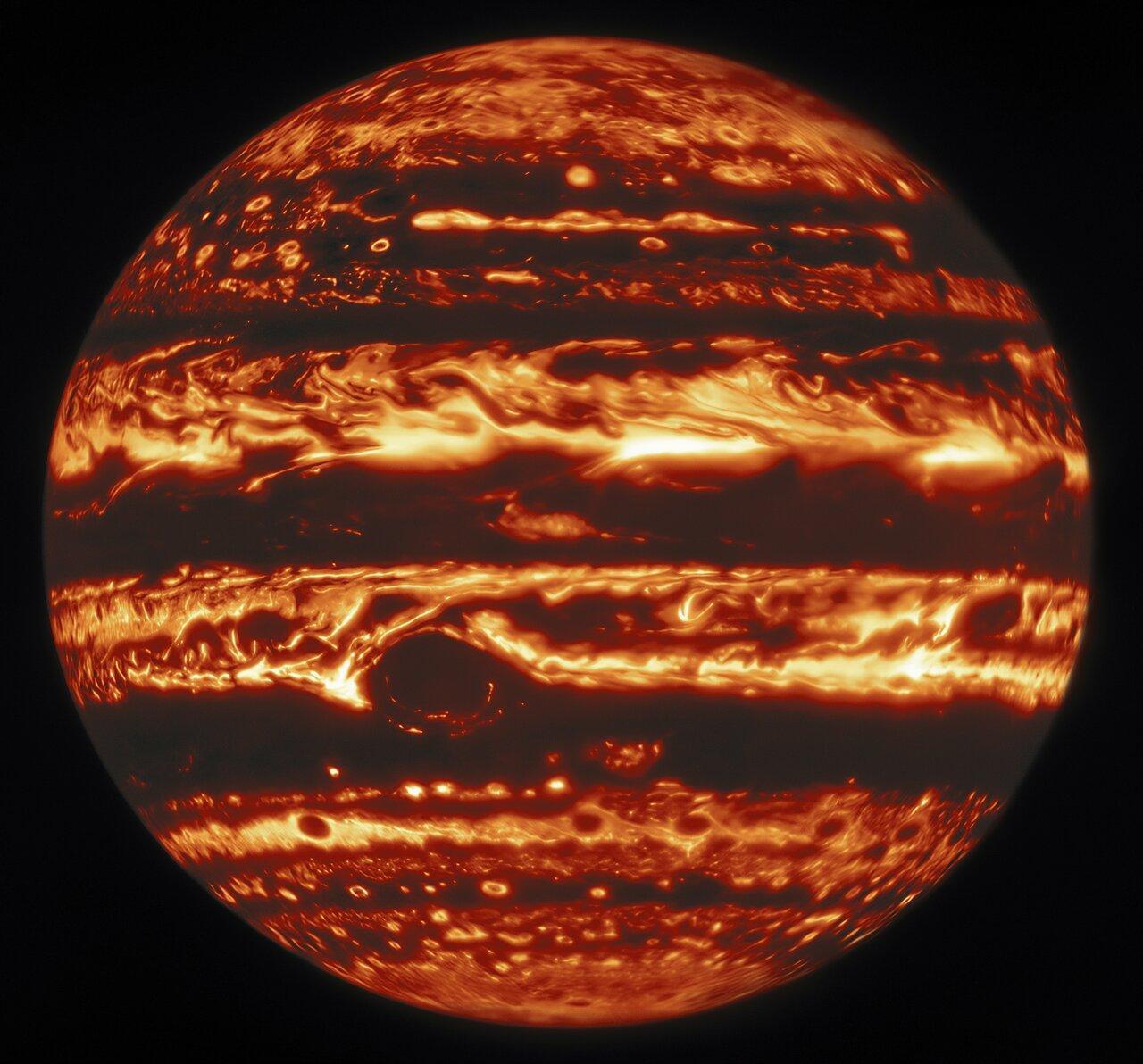 Фото Юпитера в инфракрасном свете