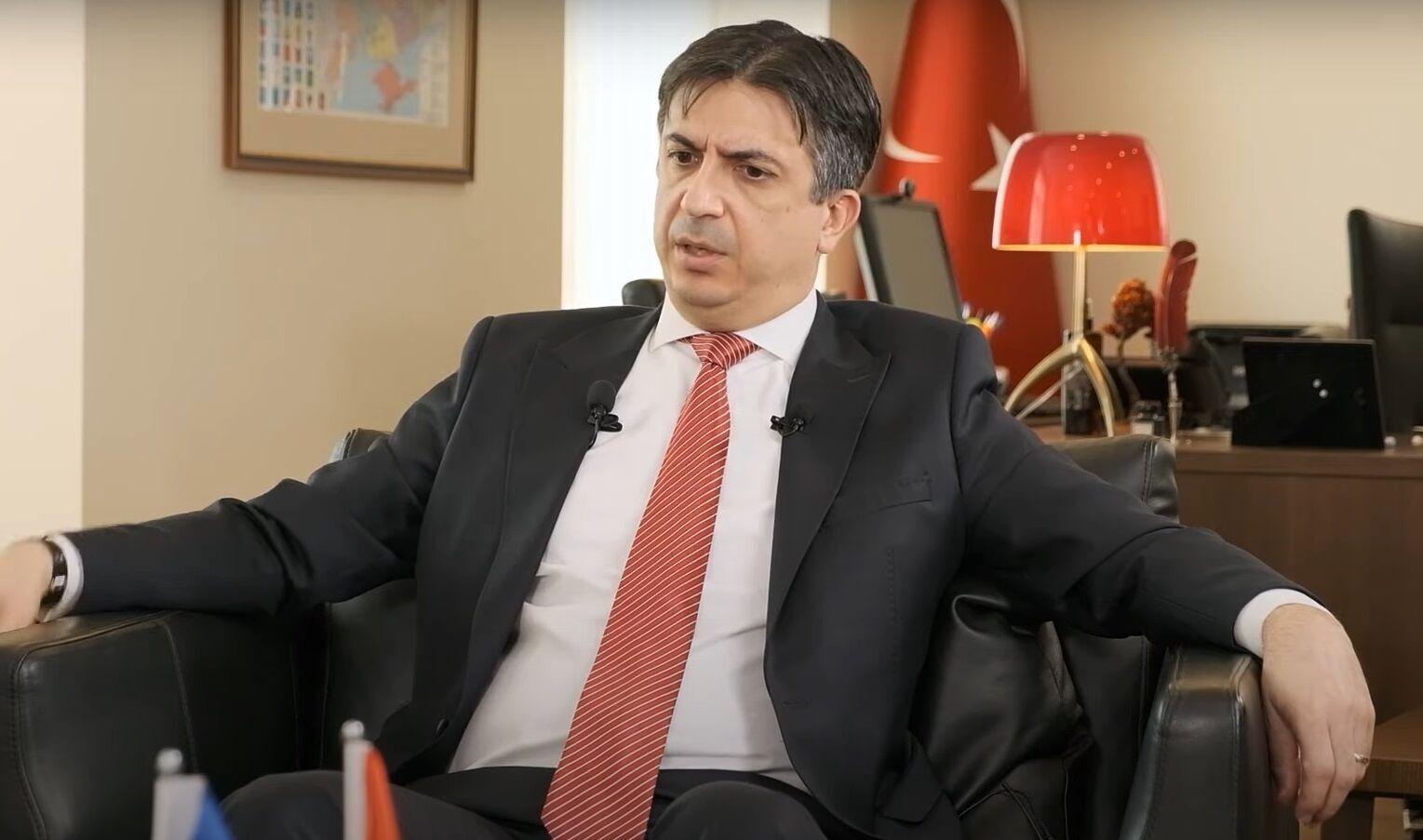 Посол Ягмур Ахмет Гульдере.