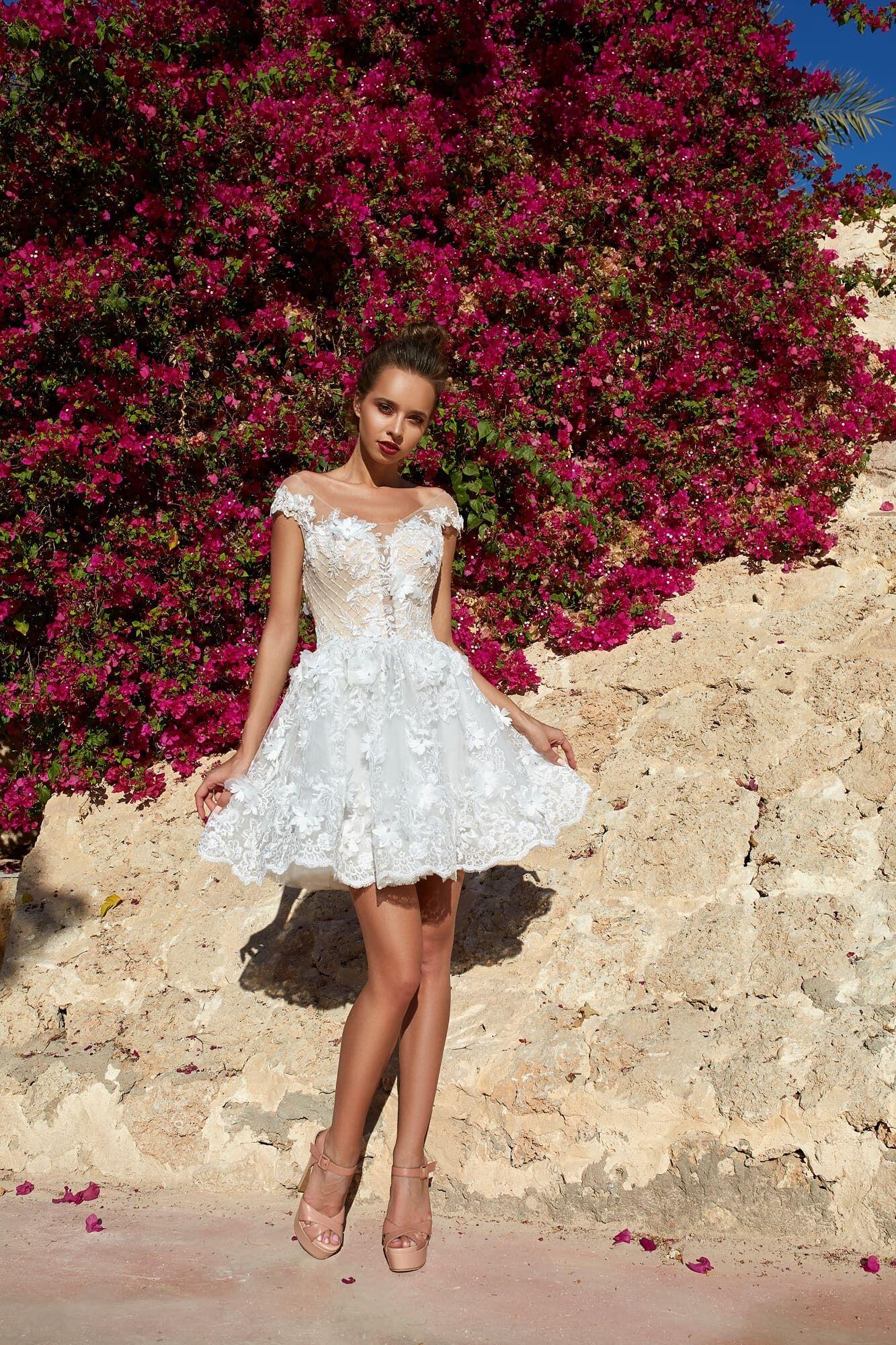 Модна весільна сукня 2021